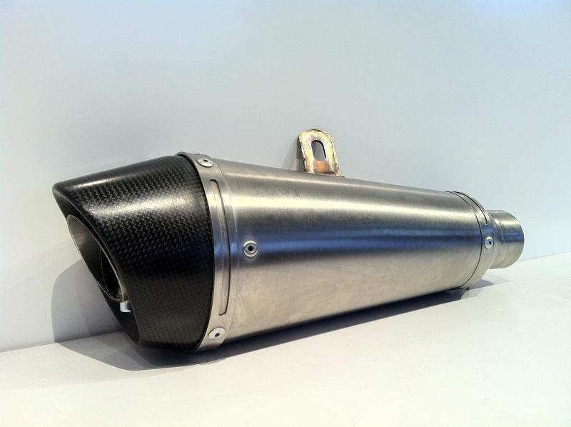 Scarico Moto Conico Ovale Inox Fondello Carbonio 2
