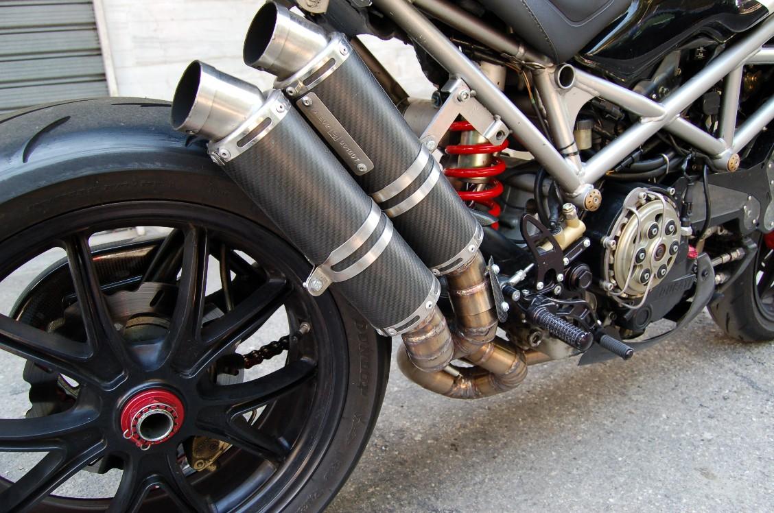 Ducati Monster S2R S4R Scarico 42